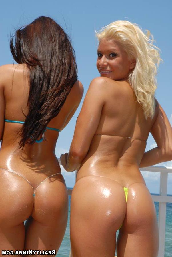 Смотреть Праздник бикини онлайн